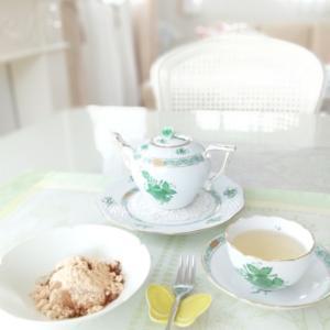 ヘレンド アポニーグリーンでお茶の時間。。♪ 鎌倉のわらびもち。。♡