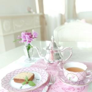 ヘレンド メモリアルローズでteatime。。♡ 紅茶のパウンドケーキ。。♪