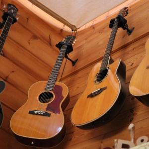 ギター増えたね~・・・ Many My Guitars