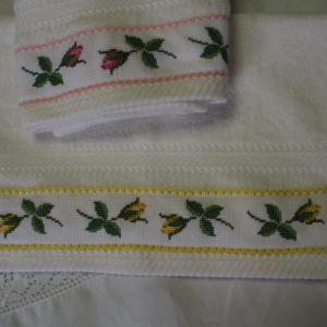 バラのテープ刺繍(4)