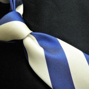 ストライプ柄のネクタイ