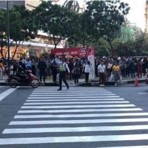 フィリピンM6.3地震、マニラでは交通インフラが混乱