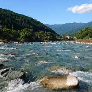長雨後の付知川