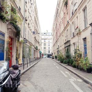 とろけるブラウニーがおすすめ!パリの可愛いパティスリー