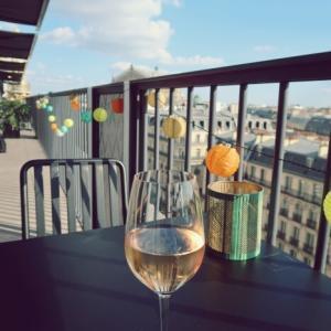 パリが一望できるテラスで買い物休憩アペロ