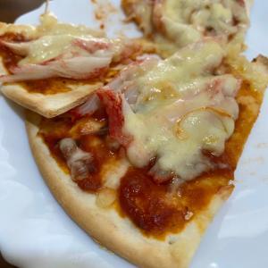 カニカマのピザ