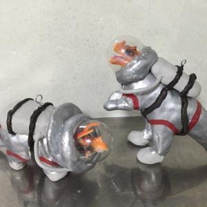 お家のフィギュアを塗装で着せ替えおうち時間を楽しむ〓恐竜の宇宙飛行士を作ろう〓