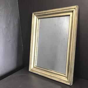 ①鏡の枠をペイントエイジングしました。