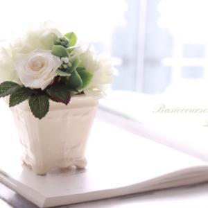 月に1度お花が作れるのが楽しみです♡と生徒さん♪