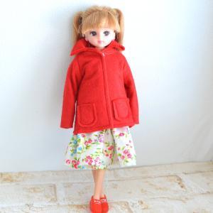 赤のフェルトコート/初めてサトウキビをかじらせてもらいました!