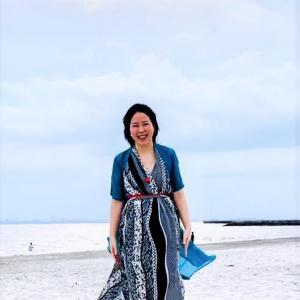 浜辺を裸足で歩くだけ!砂浜アーシング