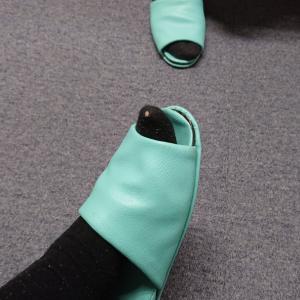 靴下の穴。