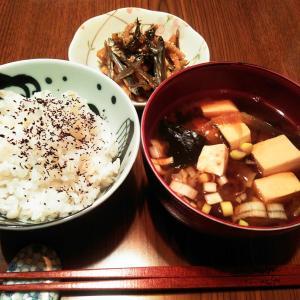牛ホルモン鍋VS鶏ちゃん焼♡赤かぶ意外に☆