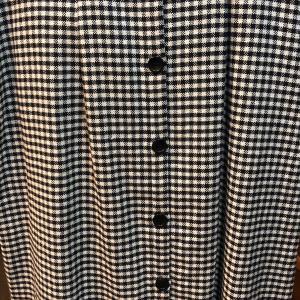 スカートとジャケット  スカートは少し大きめ〜〜〜      イタリア商品