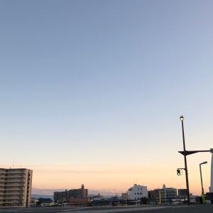今日の夕方の空はこんな感じ