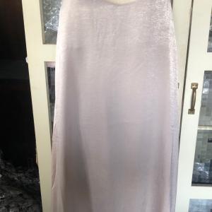 ジャンパースカート〜〜〜         サテンでなかなかいい感じです ゆっくり