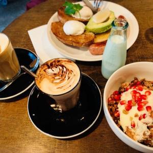 夫と朝食 RONIN Cafe