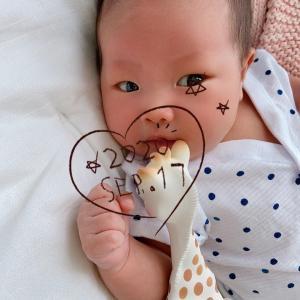 新生児微笑。