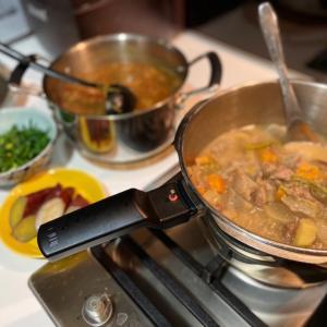 牛すじは味噌煮込みなのか、カレーなのか。