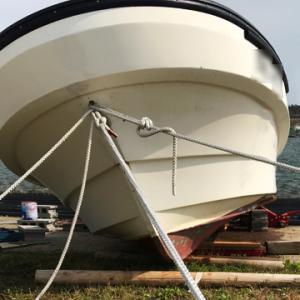 船台を使わず船底塗装