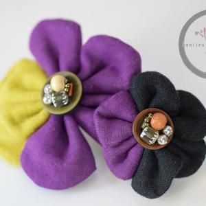 ふんわり+個性的カラーの花モチーフバレッタ