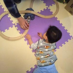 【1歳8ヶ月と30日目】列車と古墳