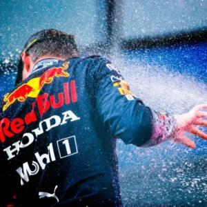 レッドブルホンダ、F1遂に4連勝!おめでとう!