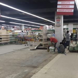 スーパーマーケットで工事