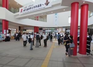 【アイタタタ…ここも迷走期待通り?】ネタ切れのときは駅前でイッポン!