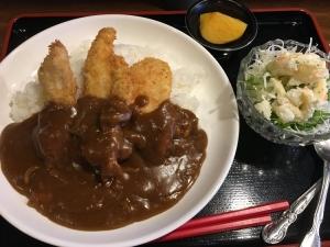 【…と綺麗なコントラスト】チキンカツカレー680円也【満腹ランチ】