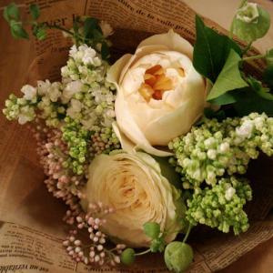 山形の薔薇の専門店オキツローズナーセリーさんのオリジナル品種【ミケ】のミニブーケ♪