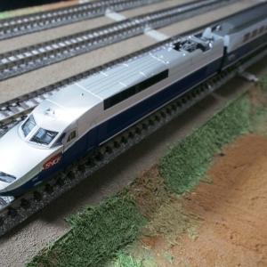KATO TGV Reseau Duplex 入線