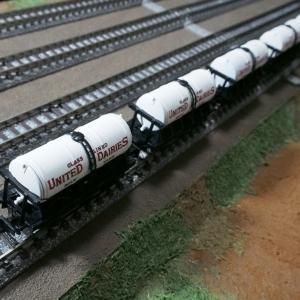 Nゲージ Dapol のミルク貨車が到着