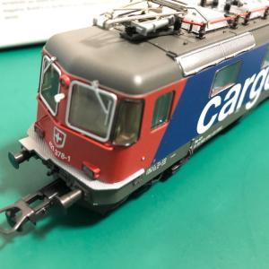 TRIX Re4/4(Re421) SBB-Cargo 塗装が入線