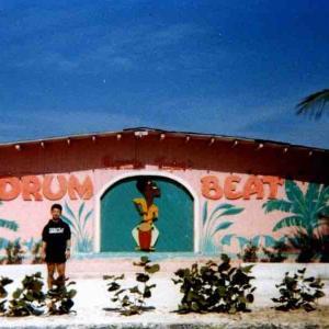 旅の回顧録 @ バハマ・プロビデンス島・ナッソー「バハマのピンクサンドビーチで泳ぐのだ」(FEB., 1988)