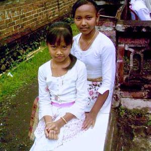 旅の回顧録 @ インドネシア・バリ島・クランビタン・クラティン 「ツーリング途中で見かけた例祭で」(NOV., 2008)