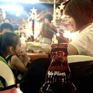 シリーズ・世界の市場(マーケット)から @ フィリピン・ビサヤ・セブ島セブ市・LARSIAN(ラーシアン、BBQ屋台村)で パート3 「いつも周囲にいる子たちやいつも周囲にいない子たち」」