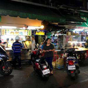 リアル世界の路地裏で @ 台湾(中華民国)台北市・萬華(艋舺) 「深夜の梧州街観光夜市へ」