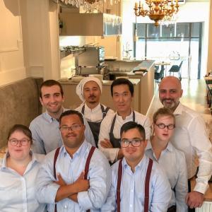 障害者が働くレストラン、ブリュッセルで1位に輝く♪