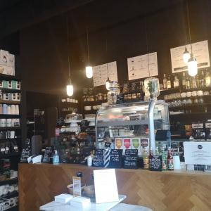 猛暑最終日、エアコンの効いたカフェで暫し涼めました♪ @ Kaffabar