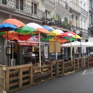 レストラン、カフェ&バー営業再開♪ 初日のお昼、我が家周辺の様子