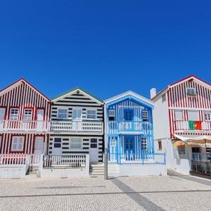 海沿いの町 コスタ・ノヴァは、パステルカラーの「パジャマタウン」♪