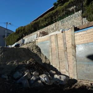 調布の住宅街で陥没 外環道トンネル工事のルート真上 以前から振動が問題に