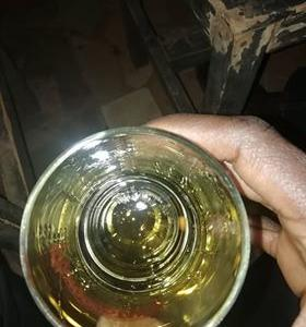 Birifor族にとって寒いブルキナファソはウィスキーがすすむ?