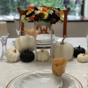 エミココテーブルコーディネート☆優しいお色で大人のハロウィンをね