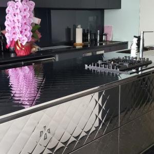 エミココキッチンスタジオ☆食器棚収納完了❗棚板も増やして見渡せる食器庫に~①