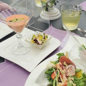 エミココフラワー&ランチレッスン☆ニュアンスカラーのリースにあわせてスタイリング&おうちご飯ね✨