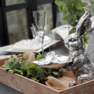 エミココフラワー&ランチレッスン☆森の中に。。ウサギたち☆テーブルコーディネートで。。