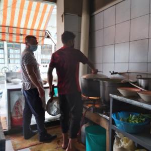 マダガスカル軟禁生活日記 その352 プレお誕生日ランチとタルト作りと豚タンと豆の煮込み