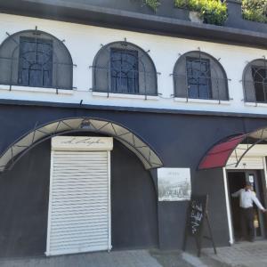 マダガスカル軟禁生活日記 その357 めちゃいいレストランのブュッフェと今後の展望